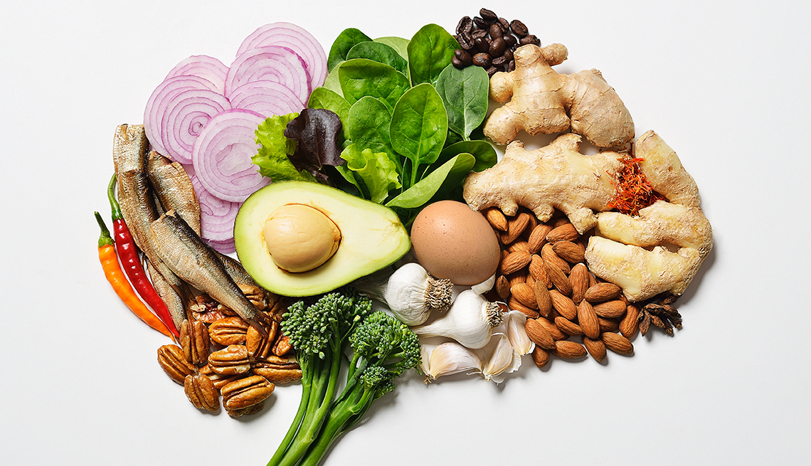 Ketogenic foods shaped into a brain